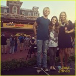 ross-lynch-laura-marano-wdw-summer-kick-off-party-05